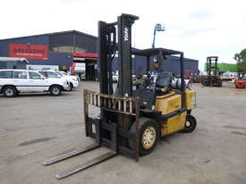 Yale GLP45MG 4 Tonne LPG Forklift  - picture0' - Click to enlarge