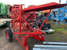 Small Square Bale Loader - picture0' - Click to enlarge