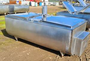 1,760lt STAINLESS STEEL TANK, MILK VAT