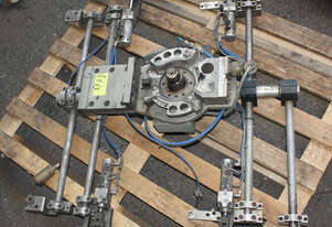 Robot Coupling with 4 pneumatic Grippers Clamps Assembly for Kuka