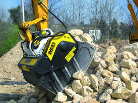 MB Crusher Buckets - picture0' - Click to enlarge