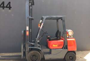 Mitsubishi FG25T 2.5 Ton 2 Stages Clearview Counterbalance LPG forklift - Refurbished