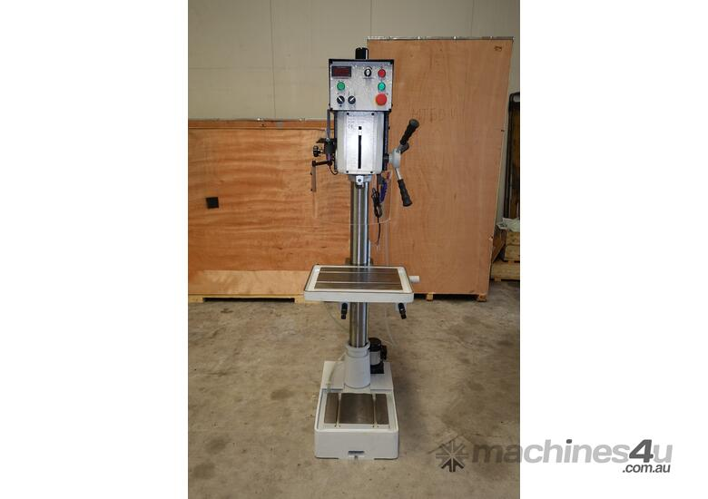Variable Speed Pedestal Drilling Machine, 3MT