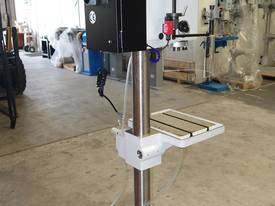 Variable Speed Pedestal Drilling Machine, 3MT - picture4' - Click to enlarge