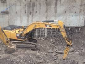 HM SERIES HYDRAULIC HAMMER 3-110 TONNE - picture4' - Click to enlarge