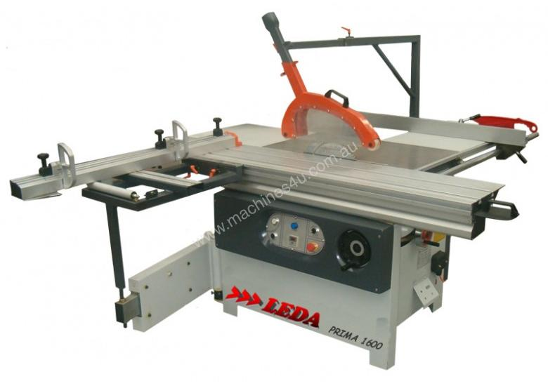 Compact Panelsaw. 1600mm table, independent scorer. Very solid and well proven