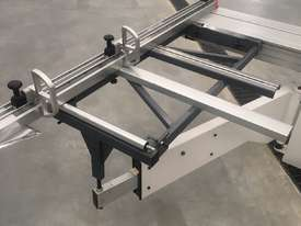 PRIMA 1600 1.6 METRE SLIDING TABLE PANEL SAW - picture1' - Click to enlarge