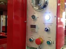 HEAVY DUTY 80T HYDRAULIC COLD PRESS 3250X1500 *AVAILABLE NOW* - picture15' - Click to enlarge