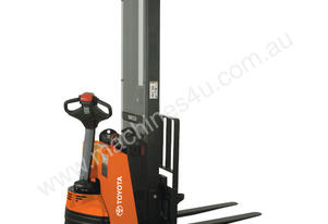Raymond Walkie Straddle RAS25 Stacker Forklift
