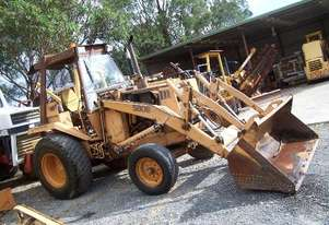 580E case loader , 2 wd , good runner