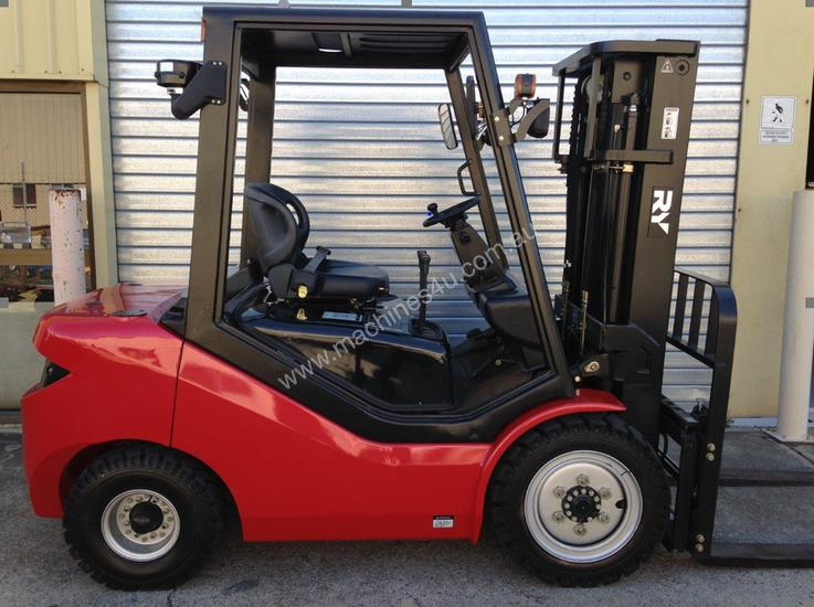 Royal 3 Tonne Container Forklift