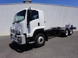 2009 ISUZU FVY1400 BOGIE DRIVE CAB/CHASSIS