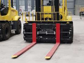 Forklift 7 ton- with Cascade Side shift & Fork Positioner  - picture1' - Click to enlarge