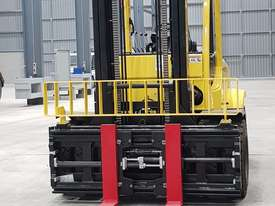 Forklift 7 ton- with Cascade Side shift & Fork Positioner  - picture2' - Click to enlarge