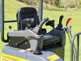 2018 Carter CT16 Mini Digger - picture7' - Click to enlarge