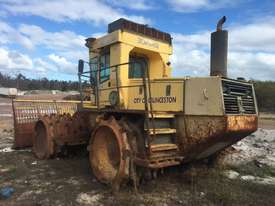 2001 Bomag 671 Landfill Compactor  - picture3' - Click to enlarge