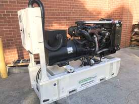 88kW/110kVA 3 Phase Skidmounted Diesel Generator.  Perkins Engine. - picture2' - Click to enlarge