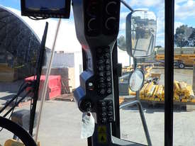 2013 CATERPILLAR 950K WHEEL LOADER - picture13' - Click to enlarge