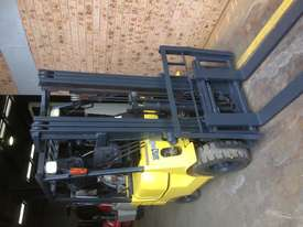 Caterpillar 1.8 ton container mast side shift LPG - picture6' - Click to enlarge