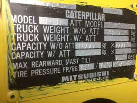 Caterpillar 1.8 ton container mast side shift LPG - picture7' - Click to enlarge