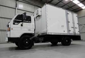 Mazda   T4000 Cab chassis Truck