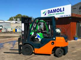 TOYOTA 2.5 TONNE CONTAINER MAST FORKLIFTS FOR SALE - picture0' - Click to enlarge