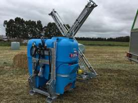BA LS1000 Boom Spray Sprayer - picture1' - Click to enlarge