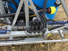 BA LS1000 Boom Spray Sprayer - picture2' - Click to enlarge