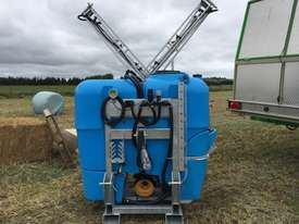 BA LS1000 Boom Spray Sprayer - picture4' - Click to enlarge