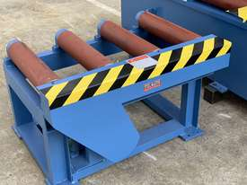 Heavy Duty Industrial Twin Column Bandsaws 500mm x 500mm With Swarf Conveyor - picture17' - Click to enlarge