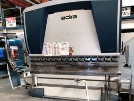 Top of the range European CNC Press Brake - picture0' - Click to enlarge