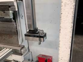 Top of the range European CNC Press Brake - picture4' - Click to enlarge