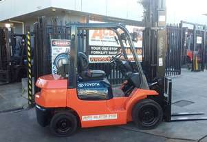 TOYOTA 7FG25 2.5 Ton FORKLIFT 6000mm Lift *EOFYS* Only $15,000+GST NEW Paint