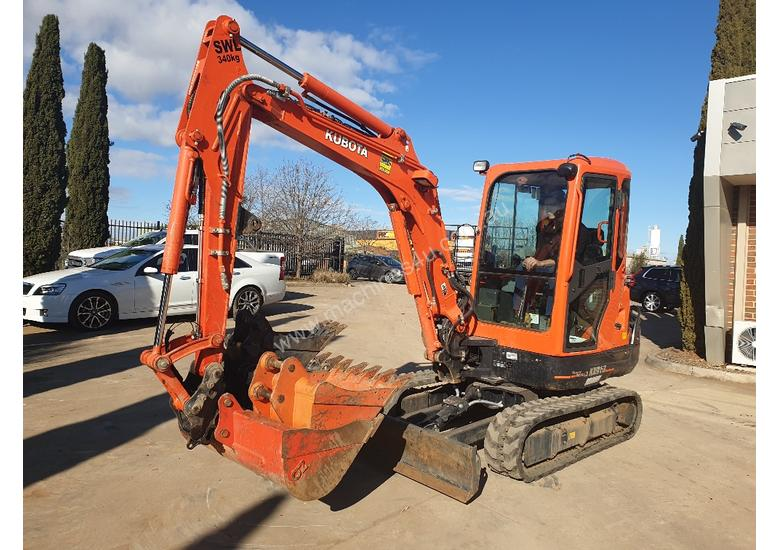 2018 KUBOTA KX91-3 EXCAVATOR WITH FULL A/C CABIN, 170 HOURS