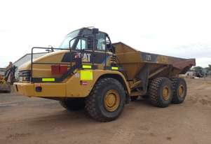 Caterpillar 725 Articulated Dump Truck