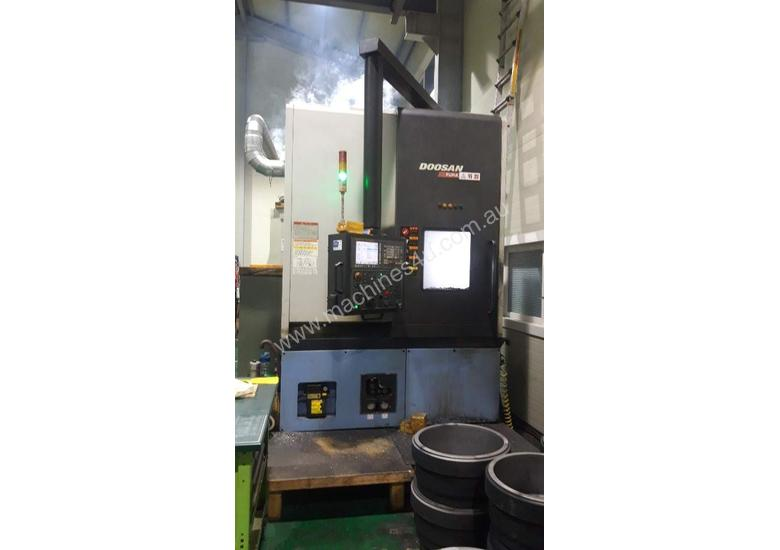 2011 Doosan Puma V-550M Turn Mill CNC Vertical Lathe