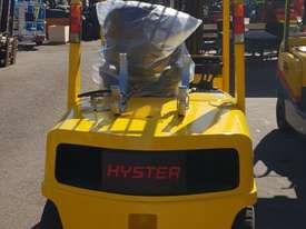 Hyster 3000kg LPG Forklift with 4615mm Three Stage Container Mast - picture2' - Click to enlarge