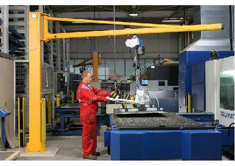 VacuMaster ECO for handling & loading sheet steel.