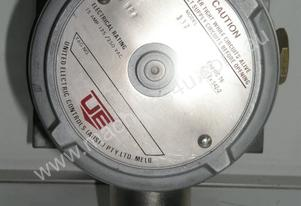 Ue   137 Pressure Switch.