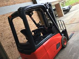 LINDE E16C Counterbalance Forklift - picture3' - Click to enlarge