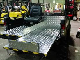 4x4 Utility Vehicle with Tipping Tray or First Aid Tray - picture0' - Click to enlarge