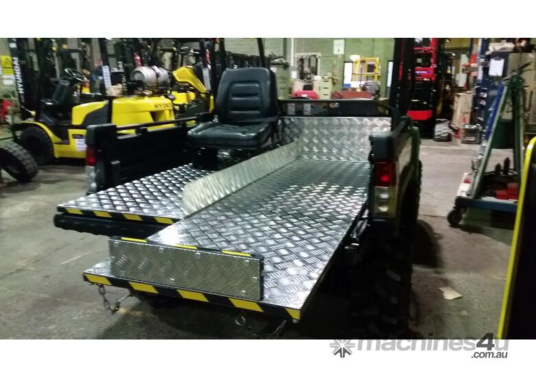 4x4 Utility Vehicle with Tipping Tray or First Aid Tray