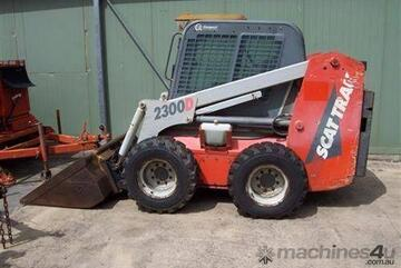 2300D , only 1297 hrs  , airco cabin