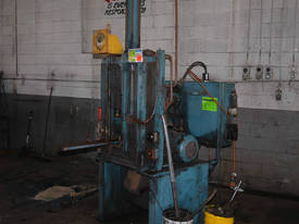 DUAL COLUMN SINGLE RAM 700mm STROKE 100mm Bore - picture0' - Click to enlarge