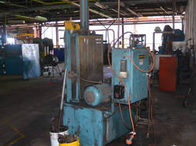 DUAL COLUMN SINGLE RAM 700mm STROKE 100mm Bore - picture2' - Click to enlarge
