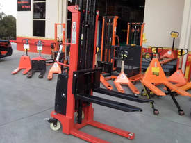 Semi Electric Narrow Pallet Stacker 1.5 Ton 3m - picture2' - Click to enlarge