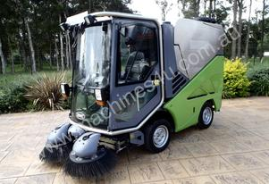 TENNANT/GREEN MACHINE/VACUUM/STREET/FLOOR/SWEEPER