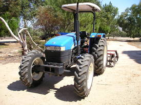 NEW HOLLAND TT75 - picture0' - Click to enlarge
