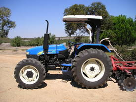 NEW HOLLAND TT75 - picture1' - Click to enlarge