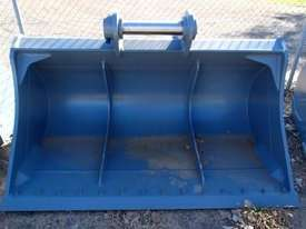 ROO ATTACHMENTS 30 TONN Bucket-GP Attachments - picture0' - Click to enlarge